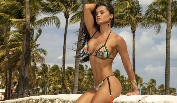 Fernanda Davila Biquinis da Moda Praia 2018