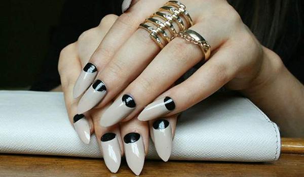 beleza-como-fazer-unhas-stiletto2