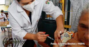 Vacinação da Covid-19 em Porto Alegre - Foto PMPOA - Sortimentos.com